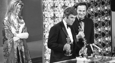 Burt Bacharach recibiendo el Óscar