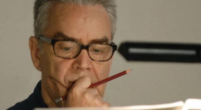 Howard shore escribiendo