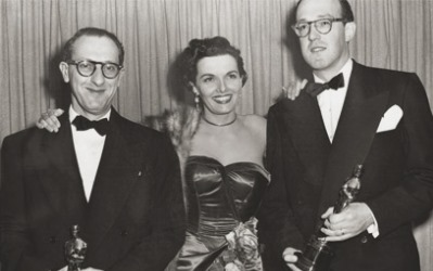 Ray Evans y Jay Livingston con Jane Russell
