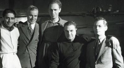 David Raksin (derecha) con Alfred Newman (izquierda) y Charlie Chaplin (centro)