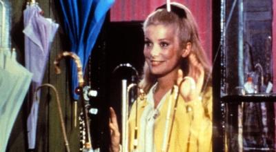 'Les parapluies de Cherbourg' (1964)