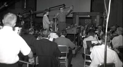Irwin Kostal-orquestando banda sonora