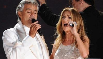 Celine Dion y Andrea Bocelli interpretando 'The prayer'