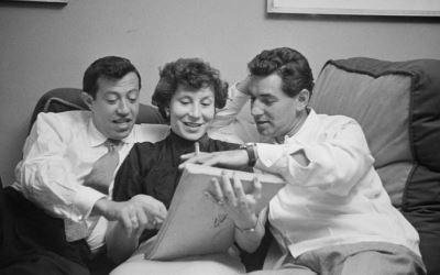 Adolph Green, Betty Comden y Leonard Bernstein
