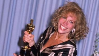 Carly Simon award oscar