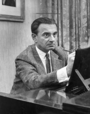 Miklos-Rozsa-componiendo.jpg