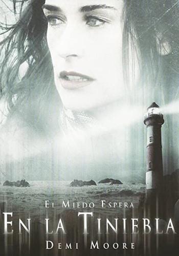 En la tiniebla (2006)