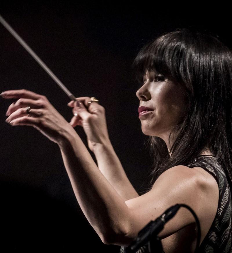 Sarah-Hicks-dirige-la-musica-de-Ennio-Morricone-con-la-Orquesta-Sinfonica-Nacional-de-Dinamarca.jpg